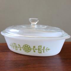 Floral. (Kultur*) Tags: flowers white green floral vintage mod casserole serving oval lid lidded glasbake glassbake etsyvintageteam