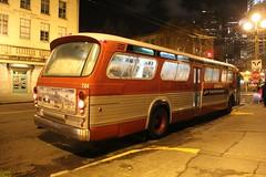 1968 GMC T8H-5305 #724 (busdude) Tags: seattle county king metro system fishbowl transit newlook gmc sts kingcountymetro seattletransit mehva metroemployeeshistoricvehicleassociation t6h5305