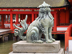 A Bad Tail Day (Argentem) Tags: statue japan shrine lion itsukushima badtailday