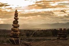 Equilibrio (Sebastin Vera) Tags: sunset atardecer 1855 rocas equilibrio espiritu tatacoa