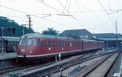 456 407  Karlsruhe Hbf  07.09.75 (w. + h. brutzer) Tags: analog train germany deutschland nikon eisenbahn railway zug trains db karlsruhe 456 eisenbahnen triebwagen triebzug et56 triebzge webru