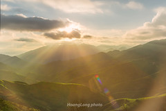 Y9005+011.0716.Bn Co.Lng Chiu.Bc Yn.Sn La (hoanglongphoto) Tags: asia asian vietnam northvietnam northwestvietnam landscape outdoor vietnamlandscape mountain mountainouslandscape dale sierra flank sky sunset clouds sun sunrays rays hdr canon canoneos1dx zeissdistagont235ze sunsetmountainous tybc snla bcyn txa bnco phongcnh ngoitri phongcnhvitnam phongcnhvngni ni dyni thunglng snni phongcnhtxa honghn honghntxa butri my mttri ray lngchiu