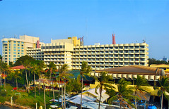 Hotel Mercure Ancol (BxHxTxCx) Tags: building hotel jakarta gedung