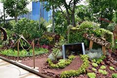 Topsy Turvy (chooyutshing) Tags: communityinbloom topsyturvy singaporegardenfestival2016 bayfrontplaza gardensbythebay baysouth marinabay singapore