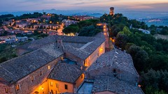Offagna - Marche - Italy (Johann Glaes) Tags: borderfx offagna marche italy italie italia medieval city night cityscape twilight sunset coucher soleil long exposure blue hour heure bleue