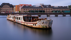 MS Dr. Ingrid Wengler | Berlin (2016) (sraaphoto) Tags: nikonflickraward berlin visitberlin city cityscape river spree cloud clouds longexposure longexpoelite meinberlin germany ship shipwreck color