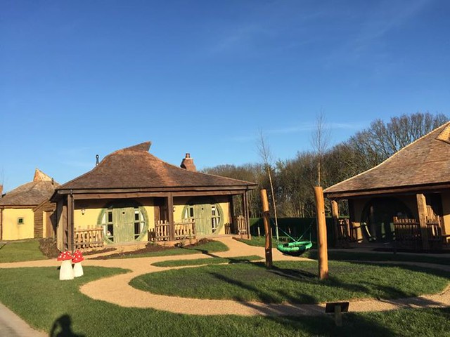 14/04/2015 - A completed lodge communal area