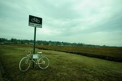 albino bicycle under an april sky (S.R.C) Tags: ri sky white bike bicycle wheels rhodeisland newport cycle albino minimalistic
