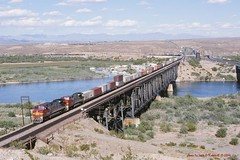 ATSF 615-646, w/b Moabi PK, CA.   4-16-1996 (jackdk) Tags: railroad trestle bridge santafe train river railway coloradoriver locomotive needles ge atsf needlesca c449w topock gelocomotive moabipark