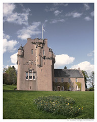 Crathes Castle, Aberdeenshire (FotoFling Scotland) Tags: castle scotland aberdeenshire unitedkingdom crathes nationaltrustforscotland