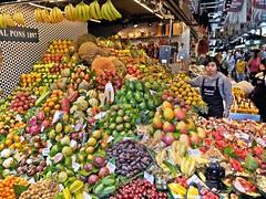 Boquera (Jos Ningum) Tags: barcelona espaa frutas gente feria colores rambla boquera
