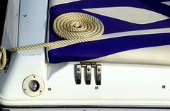 Como un caracol, (camus agp) Tags: espaa barcos panasonic malaga cabos puertos fz150 blancosyazules cabosdebarcos