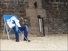 Paris Plage (Christian Lagat) Tags: france paris parisplage plage beach seine sable sand homme man sige seat jean 75001 crutch bquille