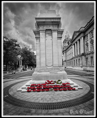 Belfast Cenotaph 12th July (D.k.o.w) Tags: wreath ceremony centotaph belfastcityhall thetwelfth loyal orangeorder cityhall thesomme northernireland ulster poppies red canon7dmkii mono selectivecolour