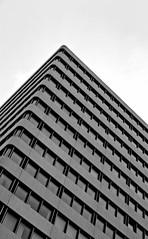 Pyramide (Vic Eis) Tags: architecture pyramid hannover architektur pyramide minimal schwarz weiss black white monochrome