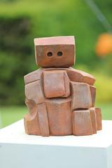 Sentinel! (RiverCrouchWalker) Tags: sentinel sculpture jowalls rhs rhshydehall rettendon essex sculpturetrail