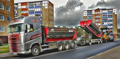 Asphalt Workers (Arto Katajamaa) Tags: asphaltworkers newasphalt karlstorpsvgen trollhttan volvofh500 volvo volvotruck gvw asfalterare catap655f hghus samsunggalaxys7 peabjob peab