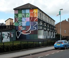 Peace Mural (glynspencer) Tags: londonderry colondonderry northernireland gb