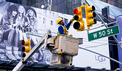 Repairing the light (vpickering) Tags: trafficlights 50thst repairs newyorkcity 50th 50thstreet ny nyc newyork repair trafficlight