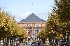 Opra National du Rhin de Strasbourg (Zphyrios) Tags: strasbourg centre france egypte obelisque opera rhin quartierimprial hotel de brogli noclassique xviii nikon d7000 alsace capitale europe franais alsaciens btiment architecture ville pyramide gr rose des vosges