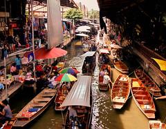 Damnoen Saduak ( cris  (searching for testimonials :)) Tags: daemonsaduak thailand thailandia floatingmarket boats barche market mercato galleggiante river fiume summer estate shops flickraward