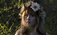 (keskinenj) Tags: trees nature forest outside outdoors photography natural longhair eugene blonde eugeneor eugeneoregon autzen flowercrown autzenstadium