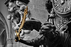 (Pau Pumarola) Tags: statue angel ange llama flame sword engel flamme estatua espada schwert flama ngel pe ngel espasa esttua
