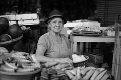 Ibos vendor (RM Ampongan) Tags: life street city bw 35mm photography philippines human sur activity region bicol vendors streetvendors irigacity camarines iriga