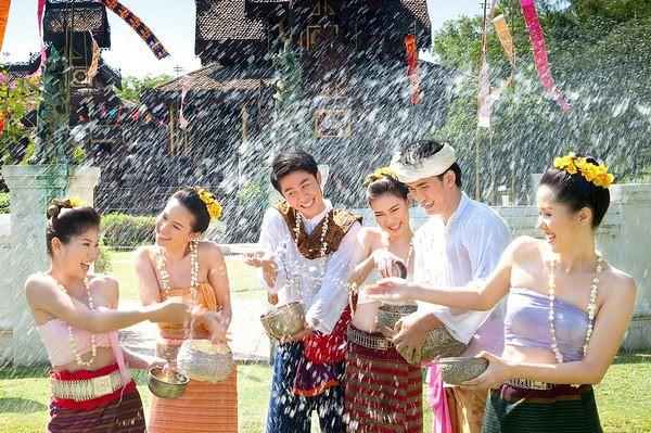 Lễ hội té nước vừa diễn ra vào giữa tháng 4