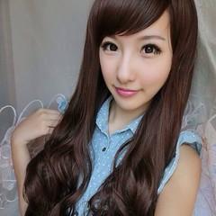 วิกผมยาว แบบสาวเกาหลีหน้าม้าปัดปลายดัดลอนสวยเซ็กซี่ นำเข้า สีน้ำตาล - พร้อมส่งW015 ราคา670บาท สวยด้วยทรงผมยาวดัดลอนหน้าม้าปัดสีน้ำตาลเก๋แบบผมไล่ระดับสวยเซ็กซี่ทุกงานมั่นใจอย่างดารารุ่นนี้ทรงใหม่น่ารักมากๆฮิตสุดๆ ดัดลอนใหญ่แบบลอนคลื่นให้คุณมีลุคทั้งหวานและ