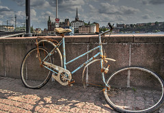 Cykel (AyaxAcme) Tags: bike bicycle europa europe sweden stockholm schweden bicicleta bici sverige scandinavia fahrrad hdr estocolmo vlo stoccolma suecia fiets cykel bicicletta escandinavia tonemapped eos60d hdrworldsweden