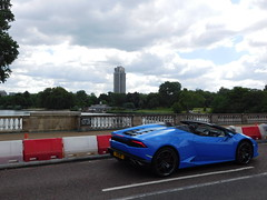 Lamborghini Huracan Spyder in London (Comiccreator24) Tags: uk travel bridge blue england sky london clouds unitedkingdom convertible huracan hydepark lamborghini supercar awd allwheeldrive rhd theserpentine londonengland righthanddrive serpentinebridge londoncarspotting carsoflondon carsspotting