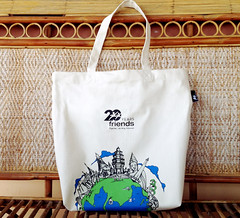 20 Years Tote bag (David L. Merin) Tags: tote design illustration globe friends product