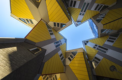cube houses (Blende1.8) Tags: kubushuser kubushaus cubehouses rotterdam gelb yellow modern contemporary architecture architektur netherlands niederlande wideangle perspective voigtlnder 10mm sony alpha a7m2 a72 a7ii ilce7m2 carstenheyer building sky himmel blau blue