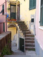 5 Terre - Riomaggiore (Klodio70) Tags: riomaggiore 5terres italy ruelle alley vicolo escalier stair scala