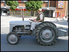 Massey Ferguson 70 years of Tractors parade Coventry. (nexapt101) Tags: tractor ferguson coventry parade 70