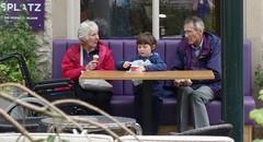 Enjoying a tub of ice cream at Carsington Water (Lady Wulfrun) Tags: carsingtonwater child icecream grandparents dayout specialdayout carsington water splatz derbyshire
