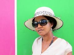 El sombrero (pelangio957) Tags: pink woman black green latinamerica southamerica colors hat colombia style colores caribbean santamarta ebony farben caribe
