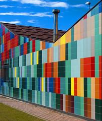 De mil colores (javipaper) Tags: colors arquitectura colores arteurbano ventadebaños