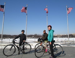 Ted Brook and Rhiannon with Flags (Mr.TinDC) Tags: friends people ted me bike bicycle cyclists washingtondc dc bikes flags bicycles americanflags brook mrt washingtonmonument rhiannon flagpoles mrtindc