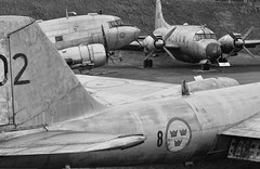 Swedish Air Force Museum (PD Taylor) Tags: show force sweden air swedish varsity canberra dc3 dakota malmen