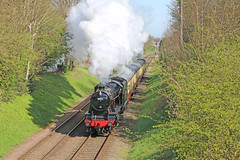 8F powering out of Loughborough (Andrew Edkins) Tags: uk england leicestershire loughborough steamtrain lms greatcentralrailway preservedrailway charnwoodwater 8f doubletrack 48624
