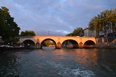 paris_2016_2580 (rollertilly) Tags: paris seine bateaux mouches frankreich france bootsfahrt brcken ponts pontneuf eiffelturm abendsonne