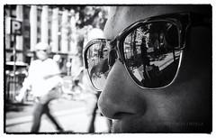 Gafas urbanas (miguelangelortega) Tags: ciudad gafas street bn bw blancoynegro modelo calle urban urbano fuji fujilm x100s