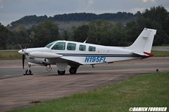 DSC_0755 (damienfournier18) Tags: aroport aroportdenevers lfqg nevers avion aiation aronefs parachutiste dr400