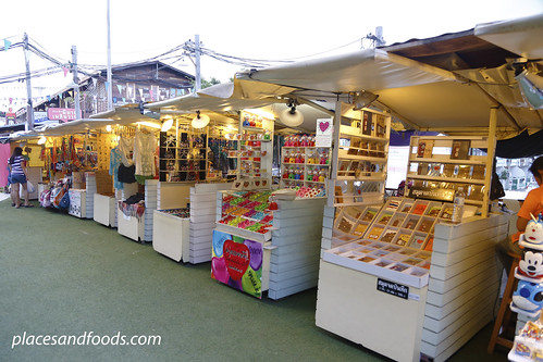 hua hin plearnwan cute stalls