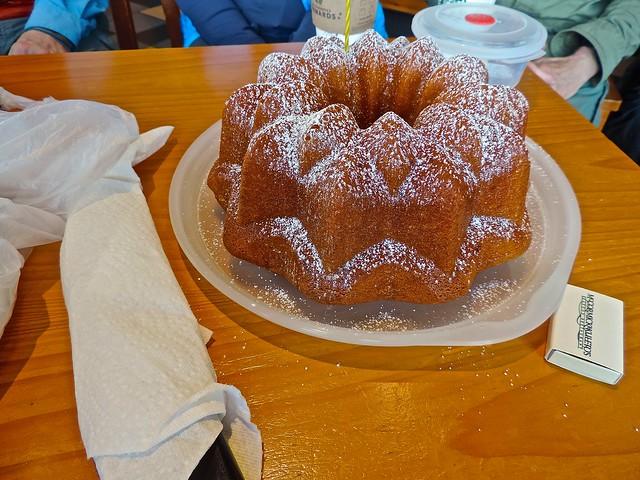 Soks lemon cake, just dusted