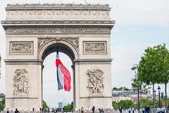 Arc de triomphe, fte nationale, Bastille day. (louis.labbez) Tags: paris france arch lumire arc triomphe iledefrance feu bastilleday 14juillet napolon labbez