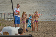 snacktime (stevefge (away for a few days)) Tags: 2016 nijmegen stadseiland zomerfeesten waal water beach nederland netherlands nederlandvandaag reflectyourworld people candid girls children kids kinderen event father summer sun rivers