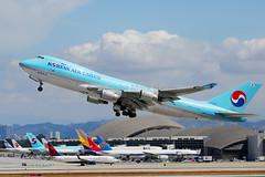 HL7603 (Mark Harris photography) Tags: spotting aircraft plane boeing 747 freighter cargo canon 5d